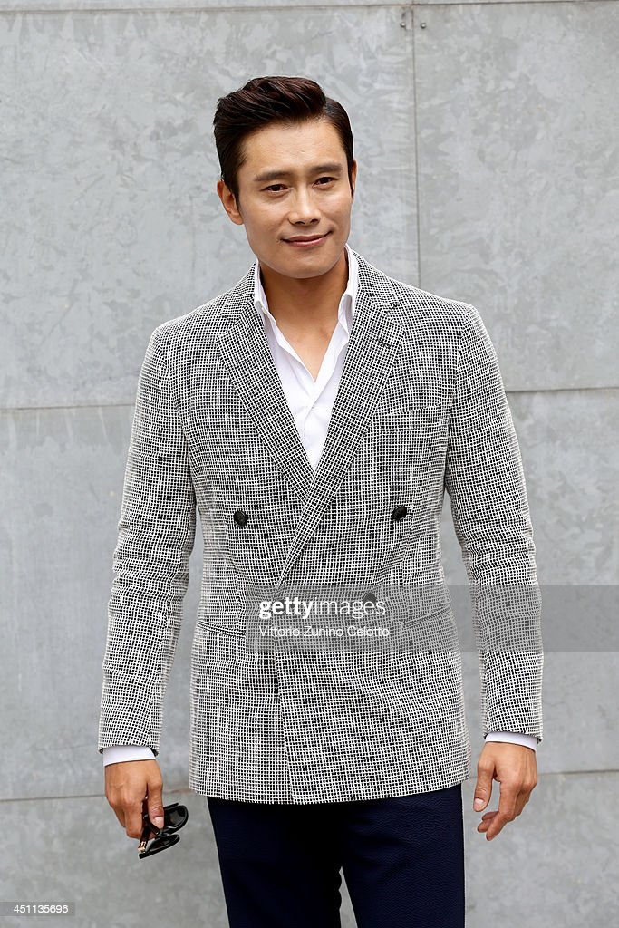 <a gi-track='captionPersonalityLinkClicked' href=/galleries/search?phrase=Lee+Byung-Hun&family=editorial&specificpeople=829983 ng-click='$event.stopPropagation()'>Lee Byung-Hun</a> attends Giorgio Armani show during Milan Menswear Fashion Week Spring Summer 2015 on June 24, 2014 in Milan, Italy.