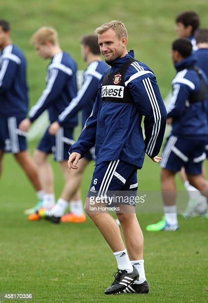 Lee Cattermole during a Sunderland AFC Training Session at The Academy of Light on October 31 2014 in Sunderland England