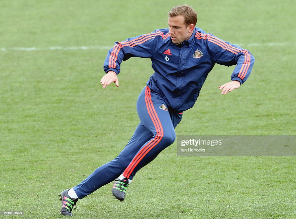 Lee Cattermole during a Sunderland AFC training session at The Academy of Light on April 29, 2016 in Sunderland, England.