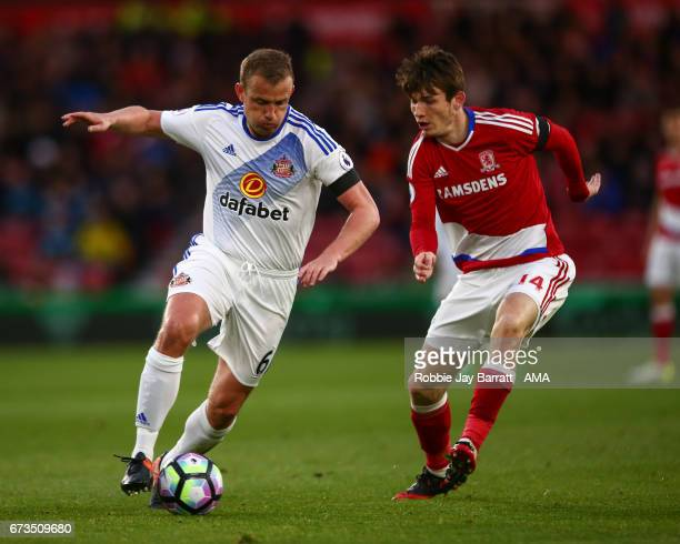 Lee Cattermole of Sunderland and Marten De Roon of Middlesbrough during the Premier League match between Middlesbrough and Sunderland at Riverside...