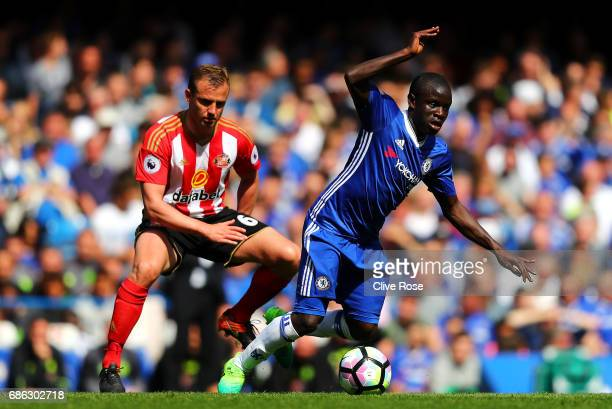 Lee Cattermole of Sunderland tackles N'Golo Kante of Chelsea during the Premier League match between Chelsea and Sunderland at Stamford Bridge on May...