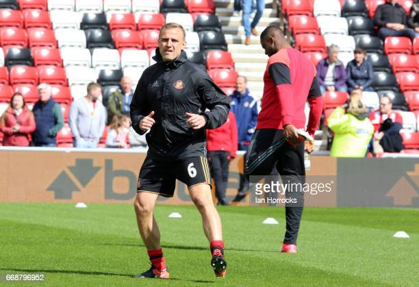 Lee Cattermole of Sunderland warms up during the Premier League match between Sunderland and West Ham United at Stadium of Light on April 15 2017 in...