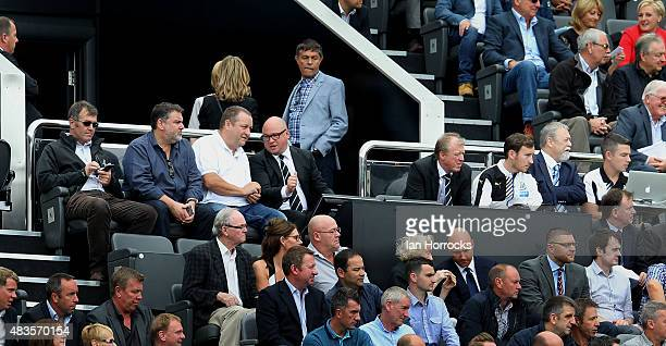 Lee Charnley next to Mike Ashley and Head Coach Steve McClaren of Newcastle United during the Barclays Premier League match between Newcastle United...