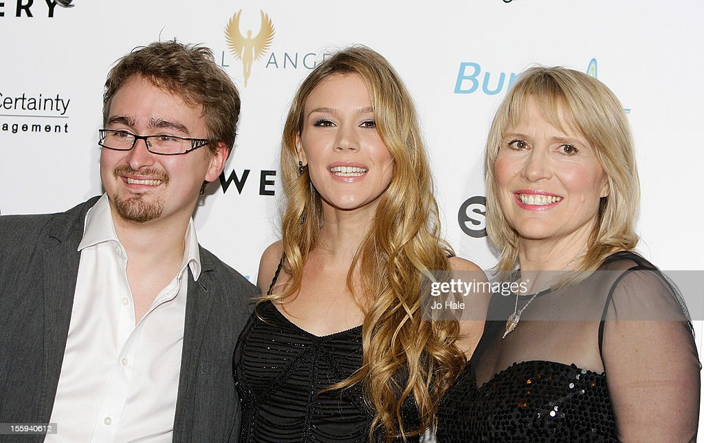 Lee Colman, <a gi-track='captionPersonalityLinkClicked' href=/galleries/search?phrase=Joss+Stone&family=editorial&specificpeople=201922 ng-click='$event.stopPropagation()'>Joss Stone</a> and Molly Bedingfield attend The Global Angels Awards at The Brewery on November 9, 2012 in London, England.