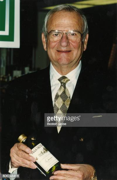 Lee Iacocca promotes his new olive oil line at the Star Market grocery store in Belmont Mass on Nov 1 1993