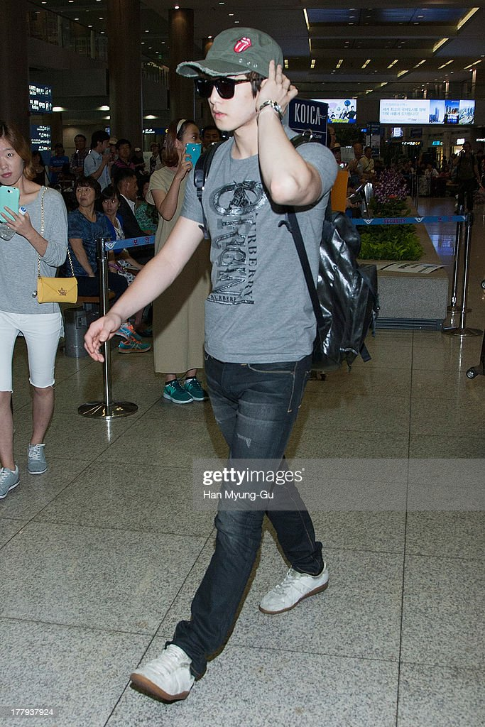 Lee Jong-Hyun of South Korean boy band CNBLUE is seen upon arrival at the Incheon International Airport on August 26, 2013 in Incheon, South Korea.