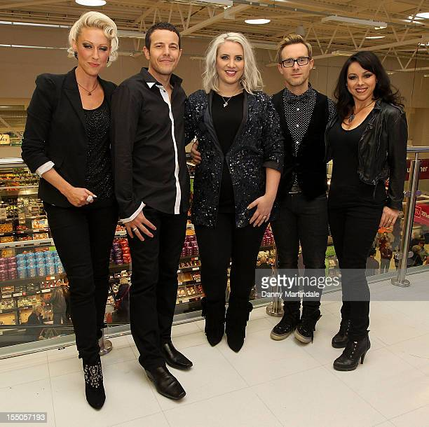 Lee LatchfordEvans Lisa ScottLee Claire Richards Faye Tozer and Ian 'H' Watkins from Steps attend a Guinness world record attempt for the largest...