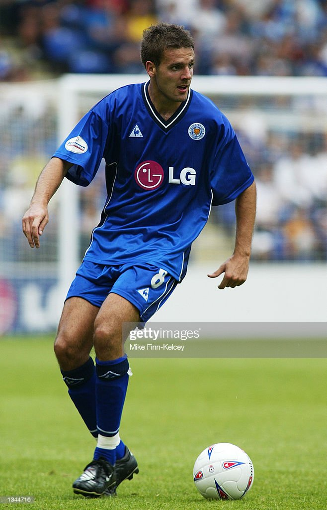 Lee Marshall of Leicester City on the ball during the Nationwide League Division One match between Leicester City and Watford at the Walkers Stadium in Leicester, England on August 10, 2002. Leicester won 2-0.