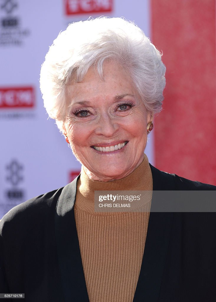 Lee Merriweather attends the Opening Night Gala of the 2016 TCM Classic Film Festival celebrating The 40th Anniversary Screening of ALL THE PRESIDENT��S MEN at the Chines Theatre in Hollywood, California, on April 28, 2016. / AFP / CHRIS