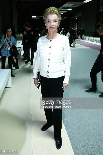 Lee Radziwill attends the Giambattista Valli show as part of the Paris Fashion Week Womenswear Spring/Summer 2016 Held at Grand Palais on October 5...