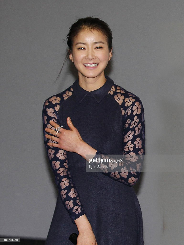 Lee Si-Young attends the 'How To Use Guys With Secret Tips' press conference at COEX Megabox on February 4, 2013 in Seoul, South Korea.