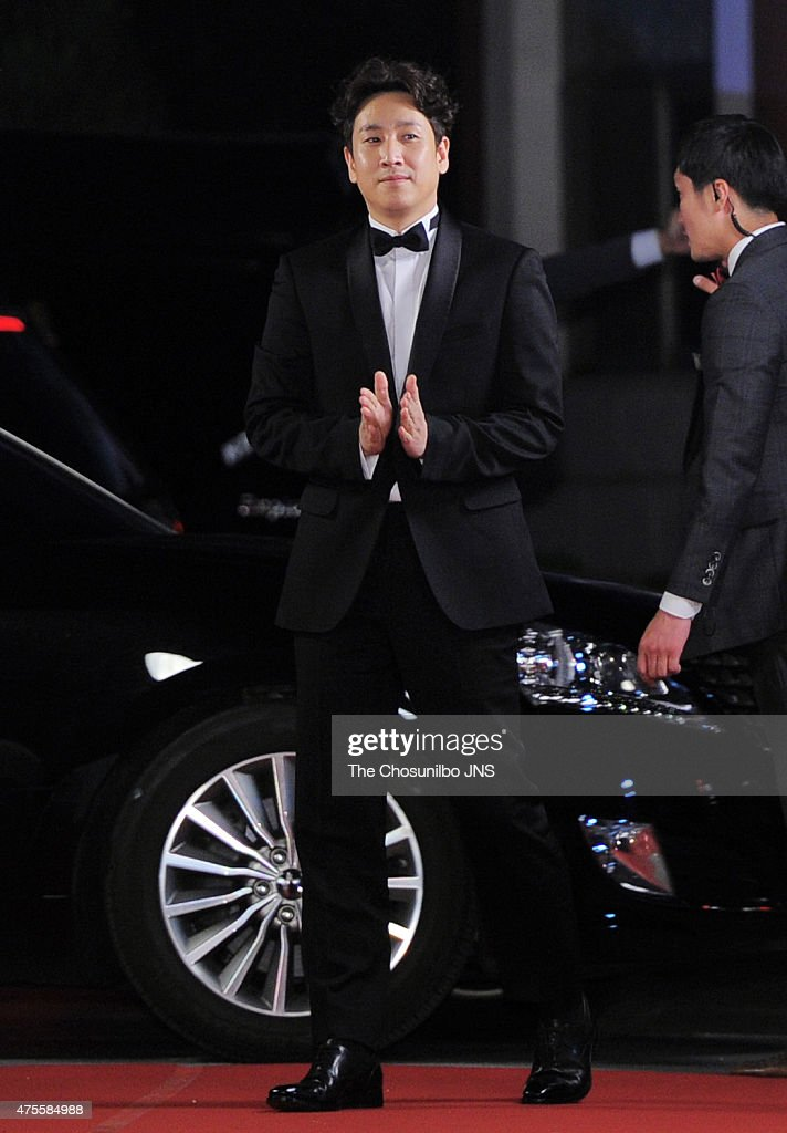 <a gi-track='captionPersonalityLinkClicked' href=/galleries/search?phrase=Lee+Sun-Kyun&family=editorial&specificpeople=4682222 ng-click='$event.stopPropagation()'>Lee Sun-Kyun</a> attends the 51st Baeksang Arts Awards at Grand Peace Palace in Kyung Hee University on May 26, 2015 in Seoul, South Korea.