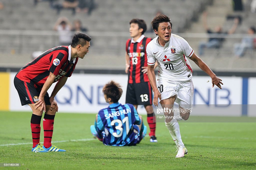 Lee Tadanari of Urawa Red Diamonds celebrates scoring their first goal during the AFC Champions League Round Of 16 match between FC Seoul and Urawa Red Diamonds at Seoul World Cup Stadium on May 25, 2016 in Seoul, South Korea.