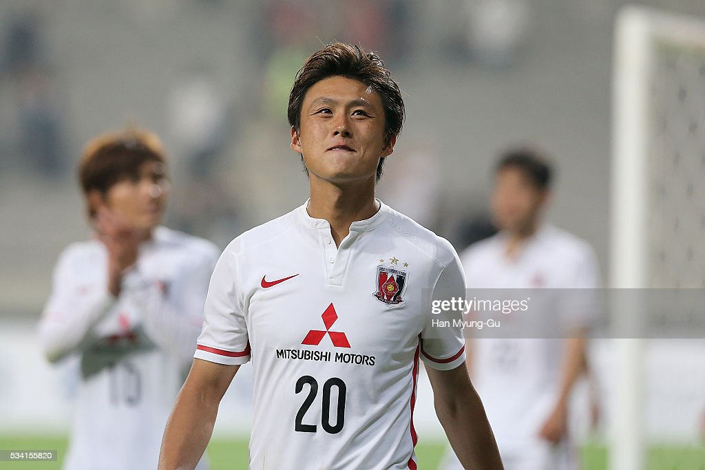 Lee Tadanari of Urawa Red Diamonds react after a penalty shootout during the AFC Champions League Round Of 16 match between FC Seoul and Urawa Red Diamonds at Seoul World Cup Stadium on May 25, 2016 in Seoul, South Korea.