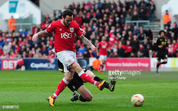 Lee Tomlin of Bristol City scores his sides second goal during the Sky Bet Championship match between Bristol City and Bolton Wanderers at Ashton...
