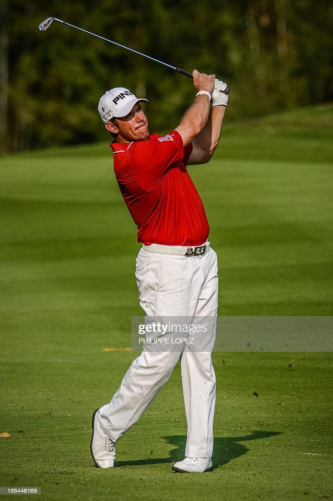 Lee Westwood of England hits a ball during the last round of the WGC-HSBC Champions golf tournament held on the Olazabal Course at Mission Hill Golf Club in Dongguan on November 4, 2012. AFP PHOTO / Philippe Lopez