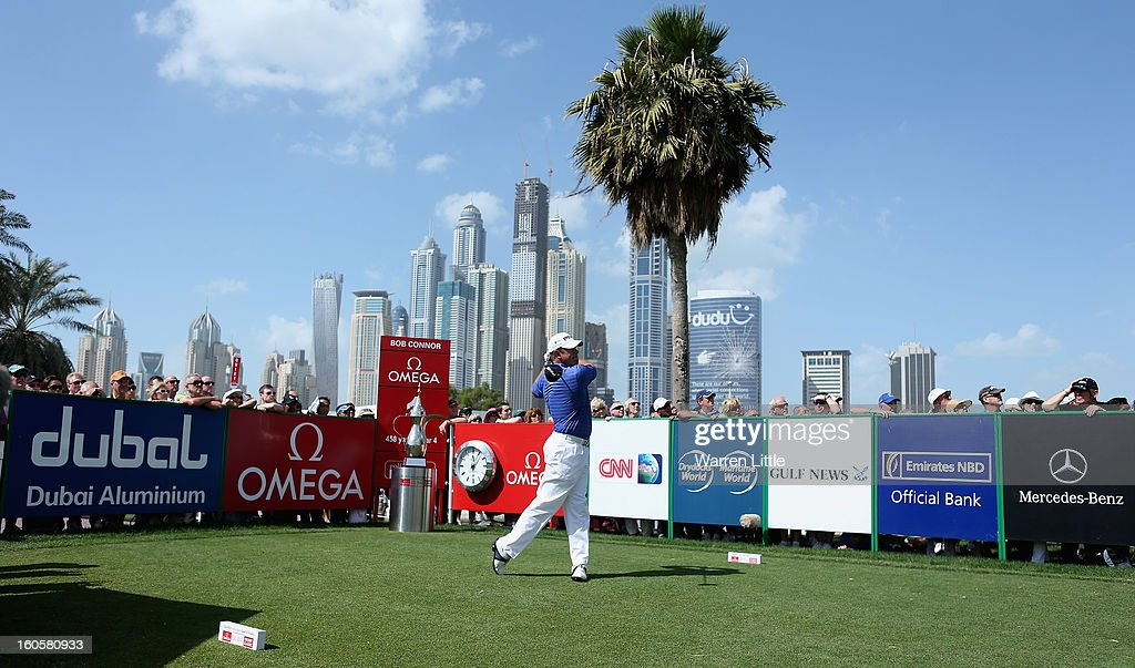 Lee Westwood of England tees off on the first hole during the final round of the Omega Dubai Desert Classic at Emirates Golf Club on February 3, 2013 in Dubai, United Arab Emirates.