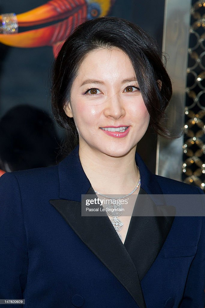 Lee Young Ae attends the Louis Vuitton new boutique opening as part of Paris HauteCouture Fashion Week Fall / Winter 2012/13 at Place Vendome on July...