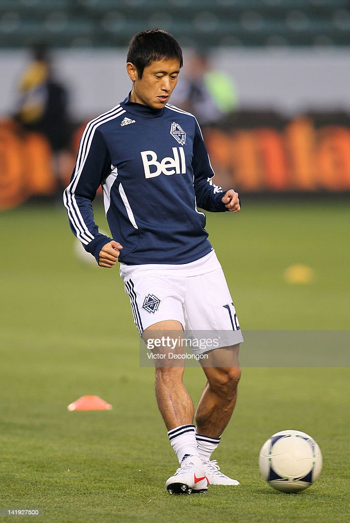 Lee YoungPyo of the Vancouver Whitecaps warms up prior to the MLS match against Chivas USA at The Home Depot Center on March 17 2012 in Carson...