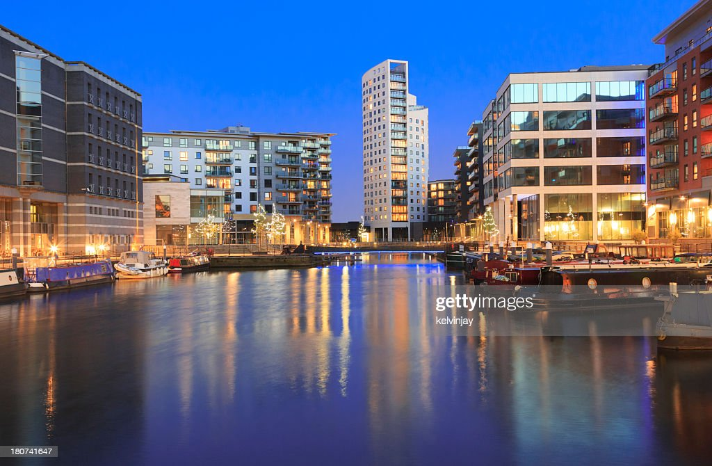 Leeds by night : Stock Photo