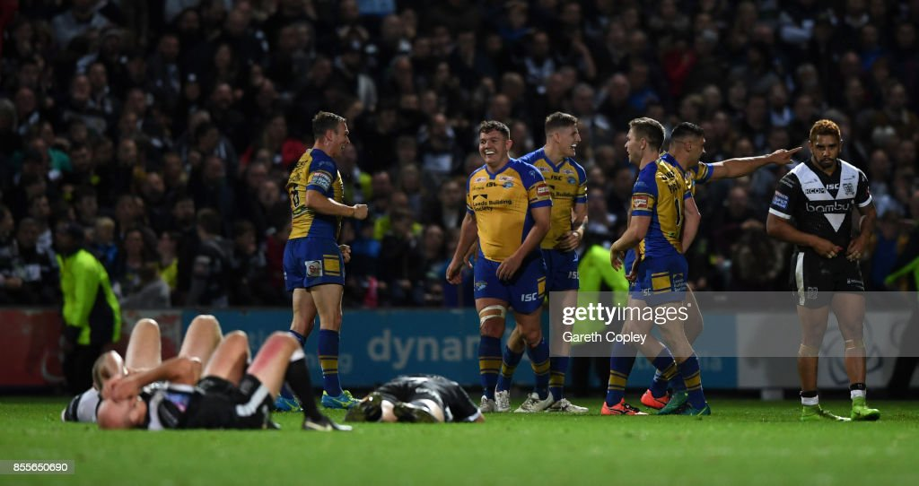 Leeds celebrate winning the Betfred Super League semi final between Leeds Rhinos and Hull FC at Headingley on September 29, 2017 in Leeds, England.