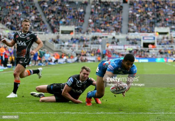 Leeds Rhino's Kallum Watkins scores his opening try during day two of the Betfred Super League Magic Weekend at St James' Park Newcastle