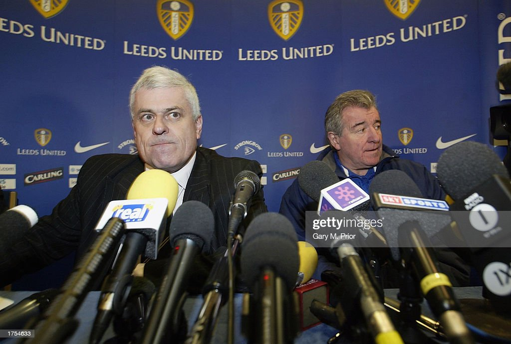 Leeds United chairman Peter Ridsdale (L) and manager Terry Venables speak to the media during a press conference at Elland Road on January 31, 2003 in Leeds, Great Britain.