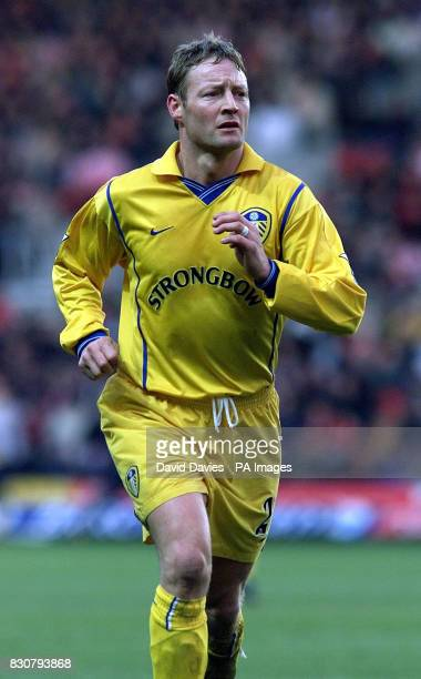 Leed's United David Batty in action in the FA Barclaycard Premiership game between Southampton v Leeds United at St Mary's Stadium Southampton Photo...