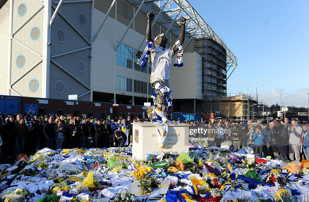 Leeds United fans lay tributes to the late Gary Speed at the foot of the Billy Bremner statue prior to kick off during the npower Championship match between Leeds United and Millwall at Elland Road on December 03, 2011 in Leeds, England.