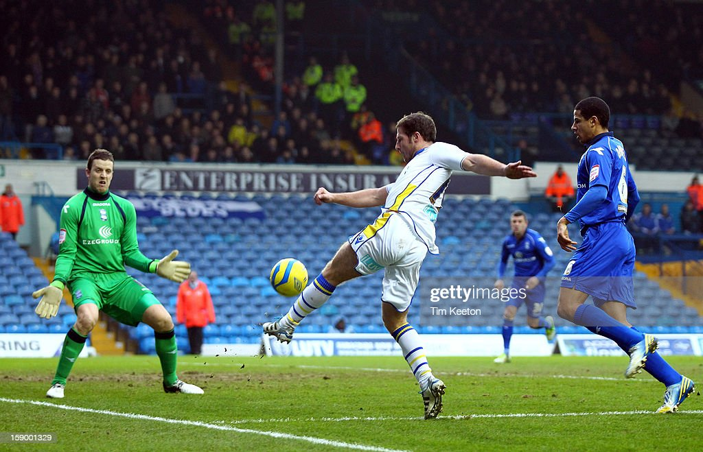 Leeds United's <a gi-track='captionPersonalityLinkClicked' href=/galleries/search?phrase=David+Norris+-+Soccer+Player&family=editorial&specificpeople=5599377 ng-click='$event.stopPropagation()'>David Norris</a> in action against Birmingham City's Colin Doyle and <a gi-track='captionPersonalityLinkClicked' href=/galleries/search?phrase=Curtis+Davies&family=editorial&specificpeople=647039 ng-click='$event.stopPropagation()'>Curtis Davies</a> during the FA Cup with Budweiser Third Round match between Leeds United and Birmingham City at Elland Road Stadium on January 5, 2013 Leeds, England.
