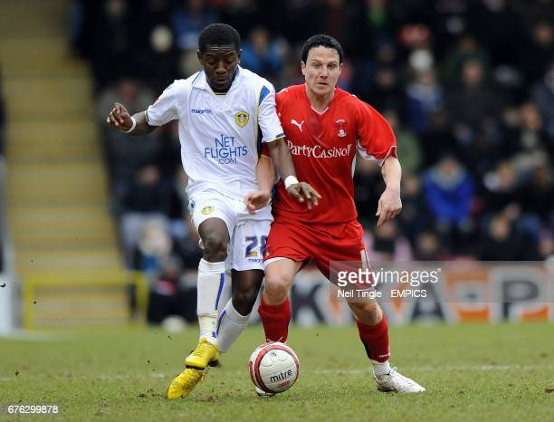 Leeds United's Max Gradel and Leyton Orient's Sean Thornton battle for the ball