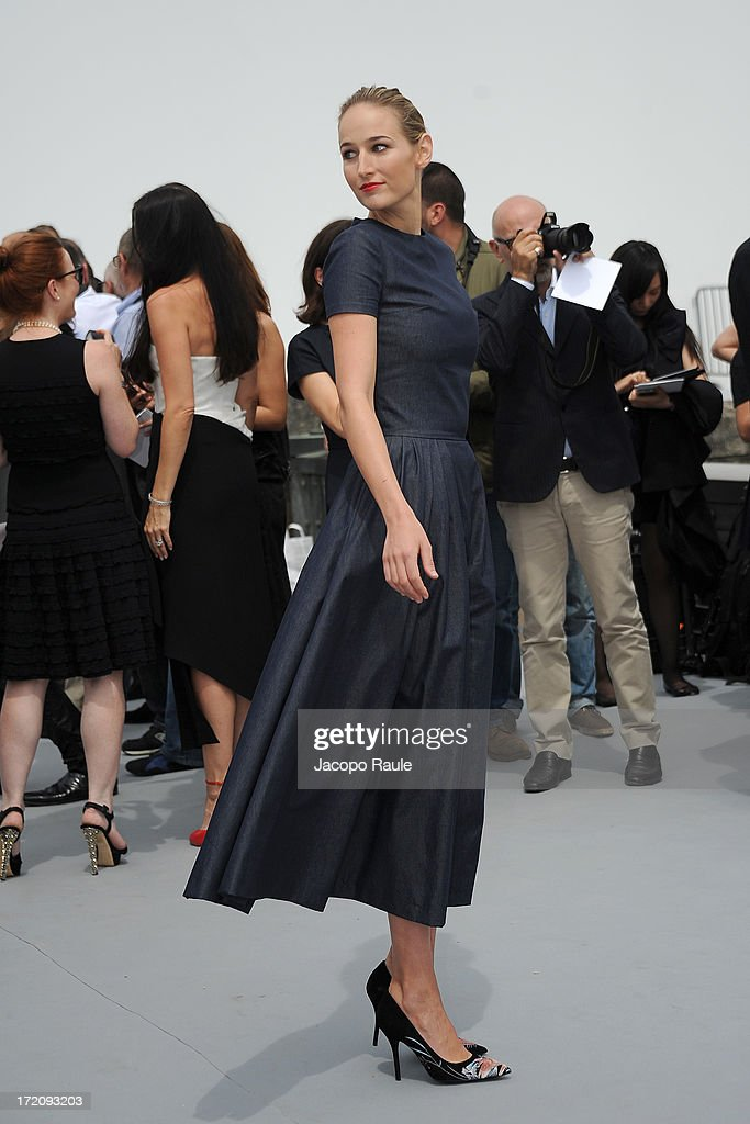 <a gi-track='captionPersonalityLinkClicked' href=/galleries/search?phrase=Leelee+Sobieski&family=editorial&specificpeople=207006 ng-click='$event.stopPropagation()'>Leelee Sobieski</a> attends the Christian Dior show as part of Paris Fashion Week Haute Couture Fall/Winter 2013-2014 at on July 1, 2013 in Paris, France.