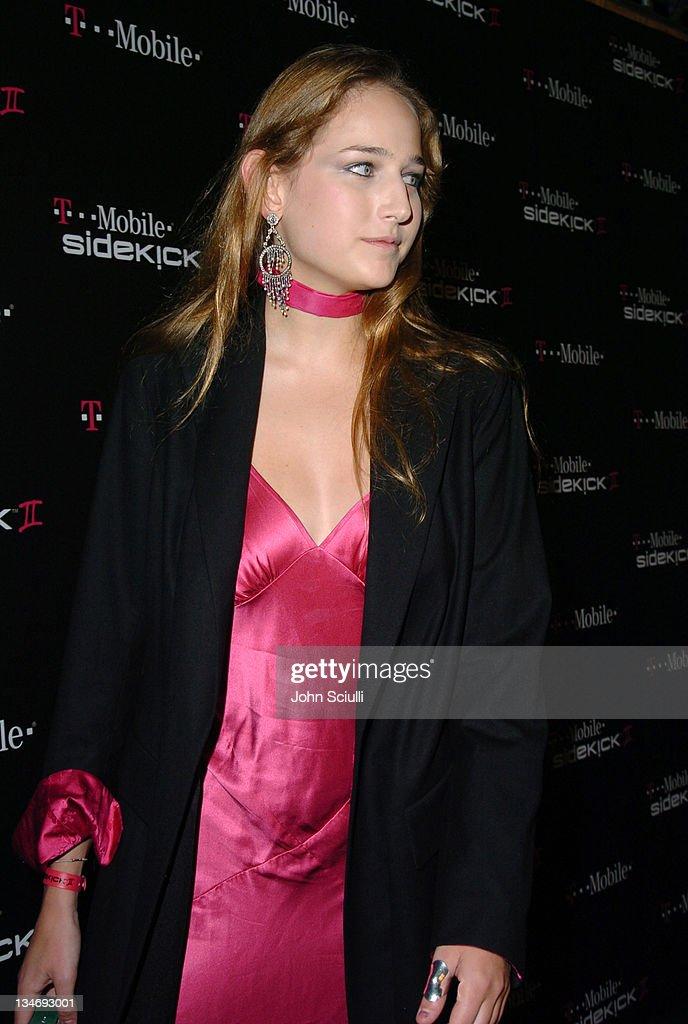 <a gi-track='captionPersonalityLinkClicked' href=/galleries/search?phrase=Leelee+Sobieski&family=editorial&specificpeople=207006 ng-click='$event.stopPropagation()'>Leelee Sobieski</a> during 'T-Mobile Sidekick II' Launch Party - Red Carpet at The Grove in Los Angeles, California, United States.