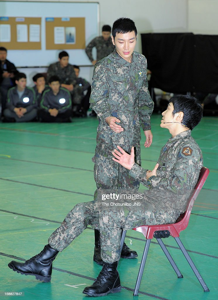 Lee-Teuk of Super Junior and Yoon-Hak of Supernova perform during the musical 'The Promise' rehearsal at Wooriarthall on December 27, 2012 in Seoul, South Korea.