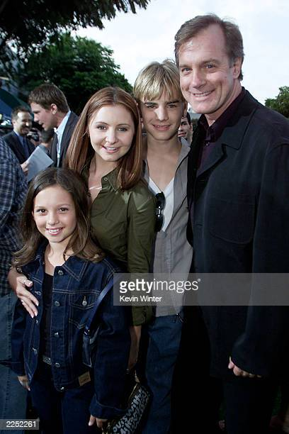 Left cast members of '7th Heaven' MacKenzie Rosman Beverly Mitchell David Gallegher and Stephen Collins at the 'Summer Catch' Premiere held at the...