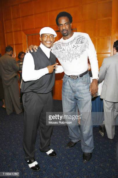 Atlanta Falcons Player Joe Horn and Former New York Knicks Player Charles Oakley at the Fifth Annual Warrick Dunn Foundation Gala on October 1 2007...