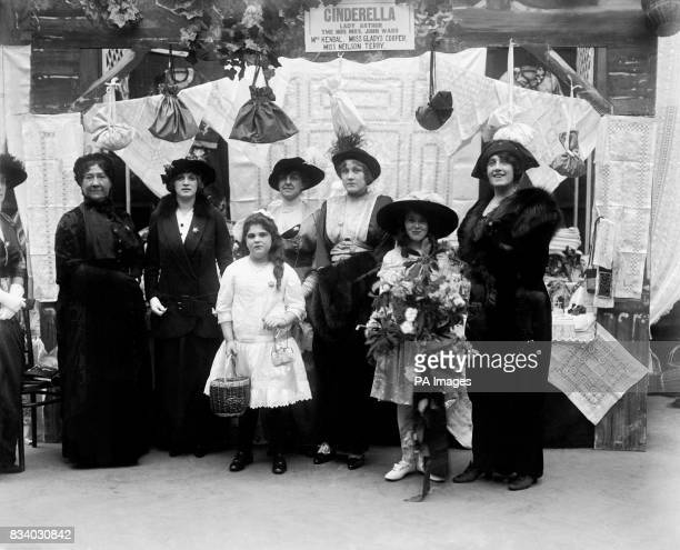 Margaret Kendall Gladys Cooper Mrs Rodichenni Miss Rodichenni Phyllis Neilson Terry Julia Neilson and Audrey Croft with a bouquet she presented to...