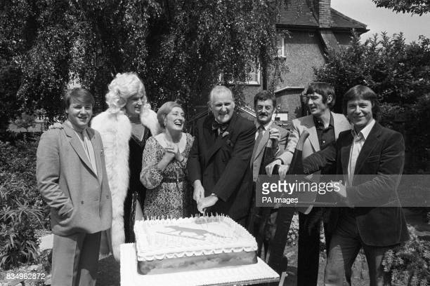 Left to right Ray Winstone Larry Lamb Elizabeth Spriggs Peter Vaughan Bernard Hill Derrick O'Connor and Eamon Boland on location in Wandsworth fot...