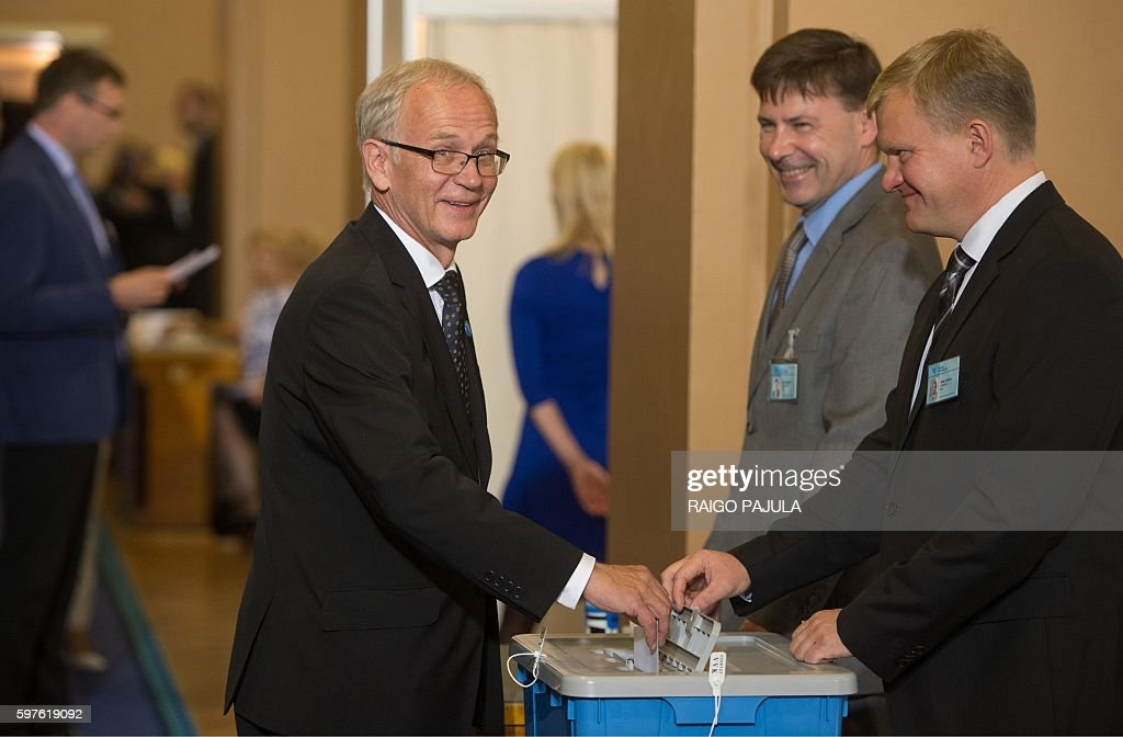 Leftist parliamentary speaker Eiki Nestor casts his ballot as the first round of a presidential election is under way at the parliament in Tallinn...