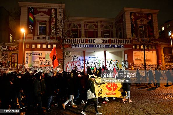 Leftwing protesters march by Rote Flora during a rally against the summit of OCSE member states on December 8 2016 in Hamburg Germany Foreign...