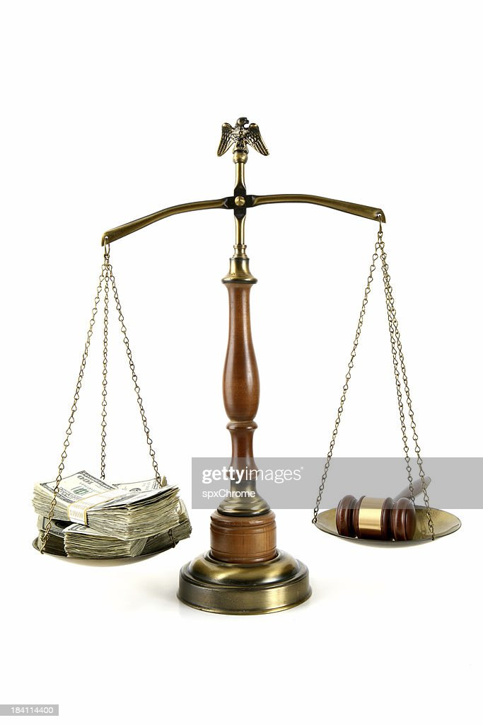 Image Gallery law scales with gavel