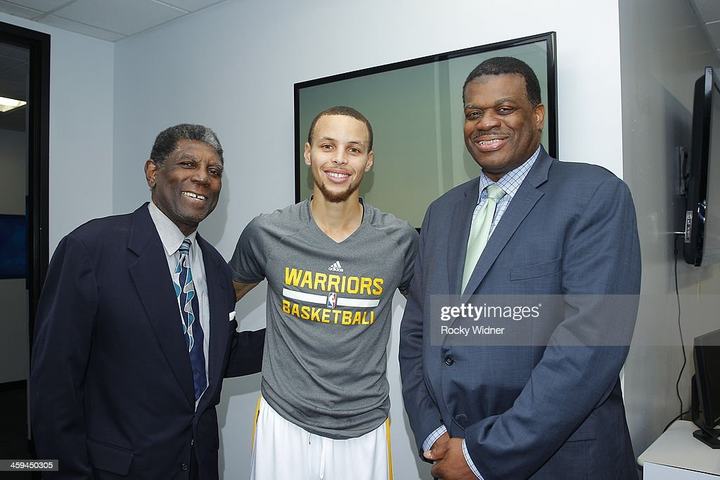 NBA Legend, Alvin Attles (left), Stephen Curry #30 of the Golden State Warriors (center), and former Warriors <a gi-track='captionPersonalityLinkClicked' href=/galleries/search?phrase=Bernard+King&family=editorial&specificpeople=214248 ng-click='$event.stopPropagation()'>Bernard King</a> (right) pose for a photo prior to the game between the Houston Rockets and Golden State Warriors on December 13, 2013 at Oracle Arena in Oakland, California.