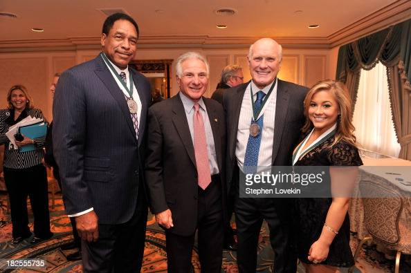 Legend and former MLB player Dave Winfield Nick Buoniconti Legend and former NFL player Terry Bradshaw and Legend and gymnast Shawn Johnson attend...