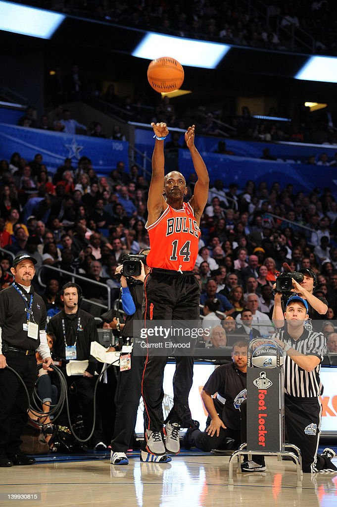 foot locker three point contest getty images. Black Bedroom Furniture Sets. Home Design Ideas