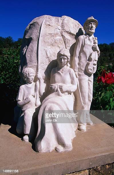 'Legend of the Ozark' statue.