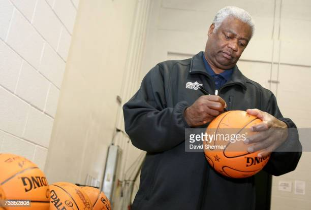 NBA legend Oscar Robertson signs autographs before the TMobile Rookie Challenge at NBA AllStar Weekend on February 16 2007 at Thomas Mack Center in...