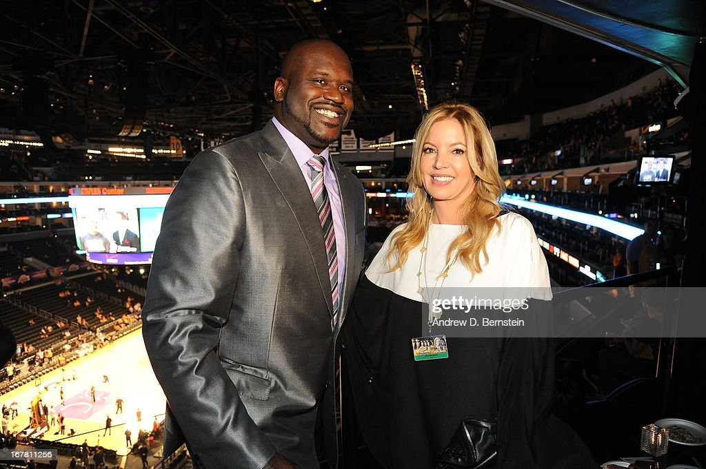 NBA legend Shaquille O'neal poses for a picture before the game against the Dallas Mavericks at Staples Center on April 2, 2013 in Los Angeles, California.