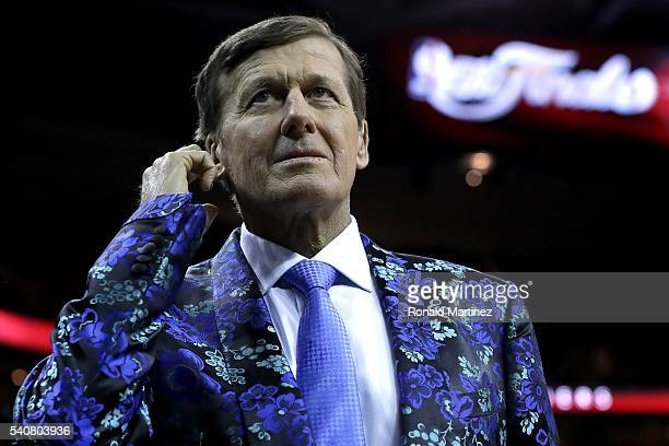 Legendary TNT sideline reporter Craig Sager talks with Game 6 of the 2016 NBA Finals between the Cleveland Cavaliers and the Golden State Warriors at...