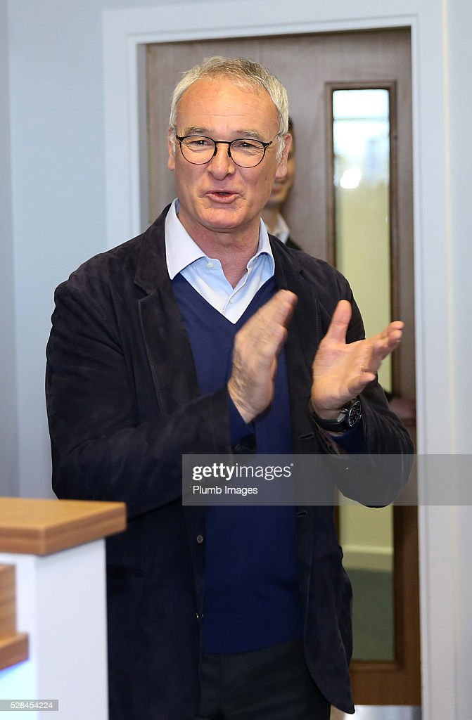 Leicester City manager <a gi-track='captionPersonalityLinkClicked' href=/galleries/search?phrase=Claudio+Ranieri&family=editorial&specificpeople=204468 ng-click='$event.stopPropagation()'>Claudio Ranieri</a> applauds during the Leicester City press conference at King Power Stadium on May 5, 2016 in Leicester, United Kingdom.
