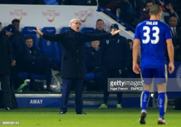 Leicester City manager Claudio Ranieri gestures on the touchline against Tottenham Hotspur